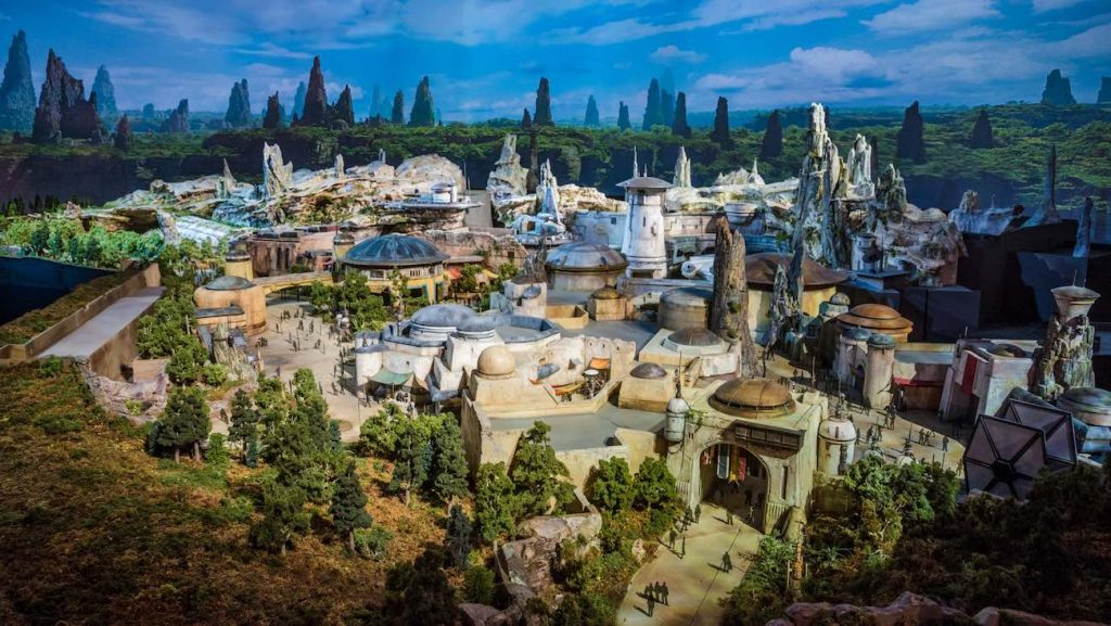 Star Wars: Galaxy's Edge @ Disney Land