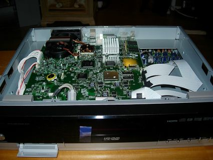 Toshiba's HD-XA1 HD-DVD player